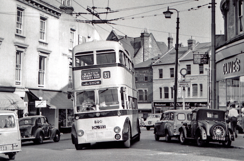 Postcard Bournemouth 1934 Minor Two seater CPO 688 and trolley bus IOTW