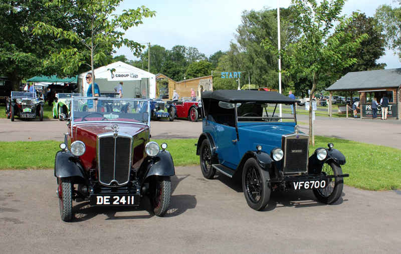 DE-24-11 1934 Minor Two seater Ronald Trumpi & VF 6700 1929 Minor Tourer Peter Stubberfield (Butland)