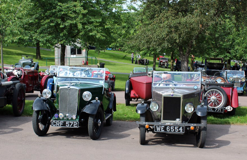 WE 6554 1929 Minor Tourer & CRF 572 1934 Minor Two-seater Harold Blair (Butland)