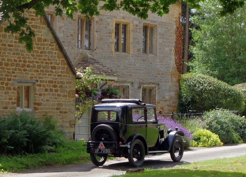 UF 7090 1931 Coachbuilt saloon Cotswolds July 2016 Martin Gregory ed ws