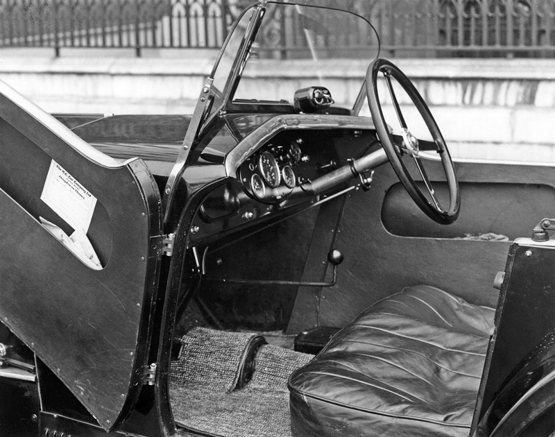 Interior cockpit of 1932 seasom MG Midget M Type Autocar photo scan ws