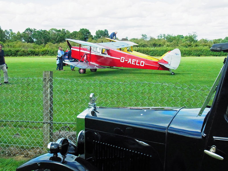 'UF' and a DH87B Hornet Moth G-AELO (Gregory)
