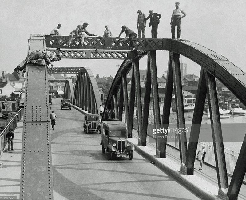 Minor on Shoreham Bridge