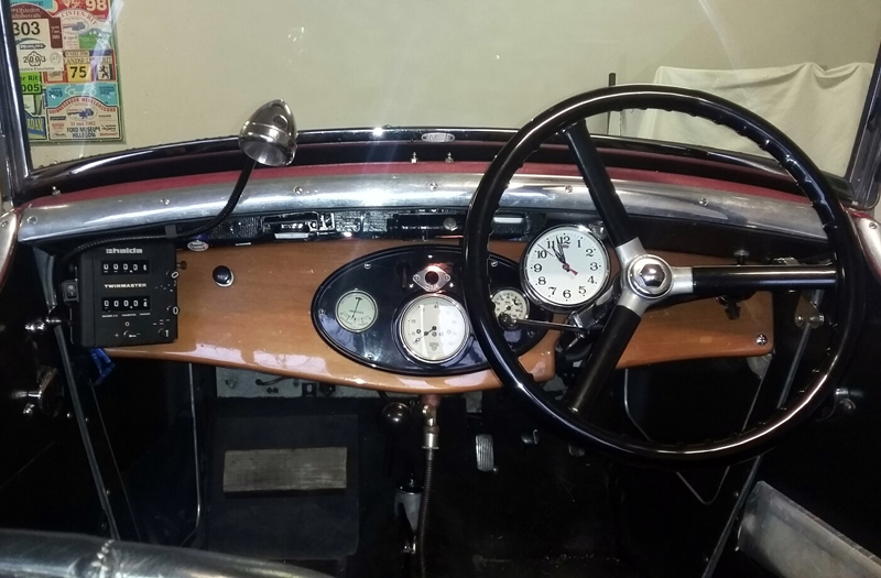 Arie Roest's Jarvis Hornet cockpit dashboard with tripmaster ed ws