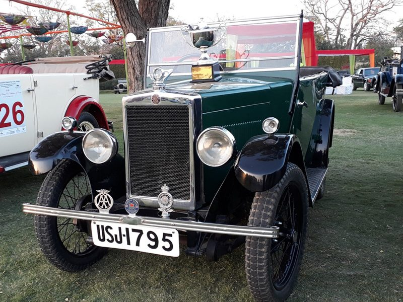 USJ 1795 with Cup for 'Best maintained vintage car'.