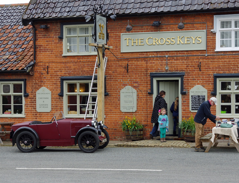Crosskeys Redgrave Spring Pub meet 29th April 2018 e ws