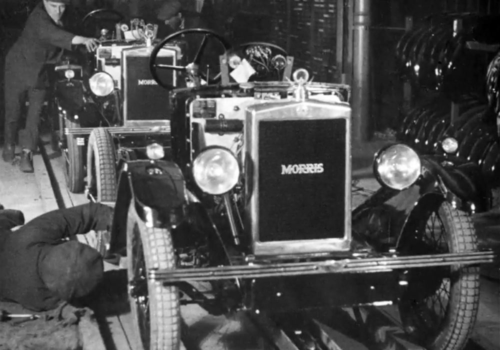 Morris Films - 1929 rolling chassis on production line