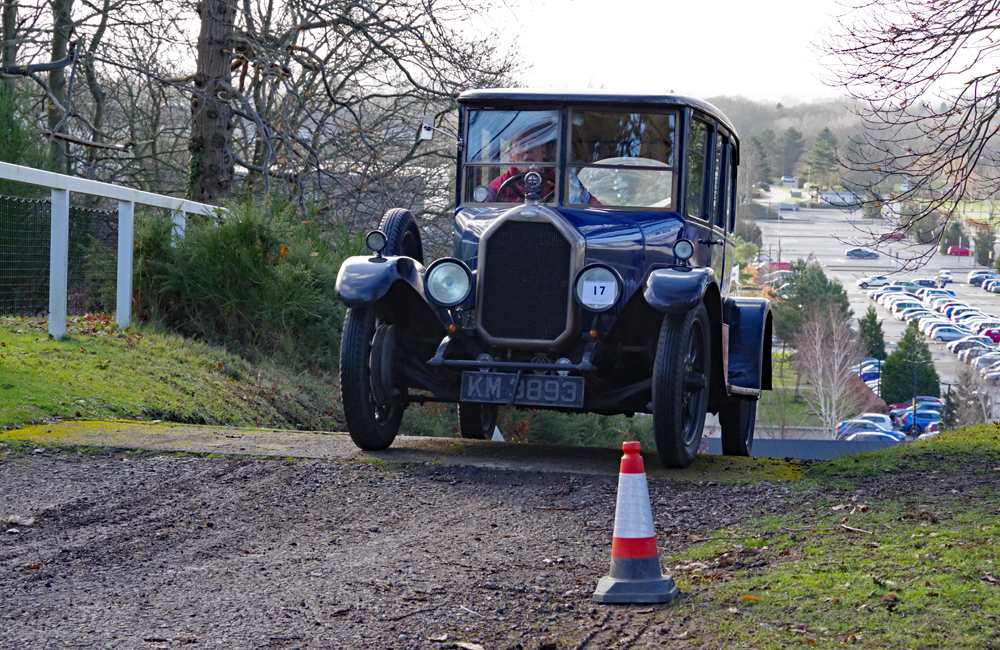 VSCC Brooklands Driving Tests 1926 Humber 12-25 George Pitts Test Hill ws