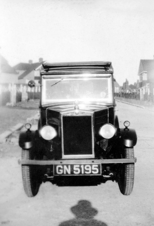 GN 5195 1931 Minor Coachbuilt Saloon snapshot