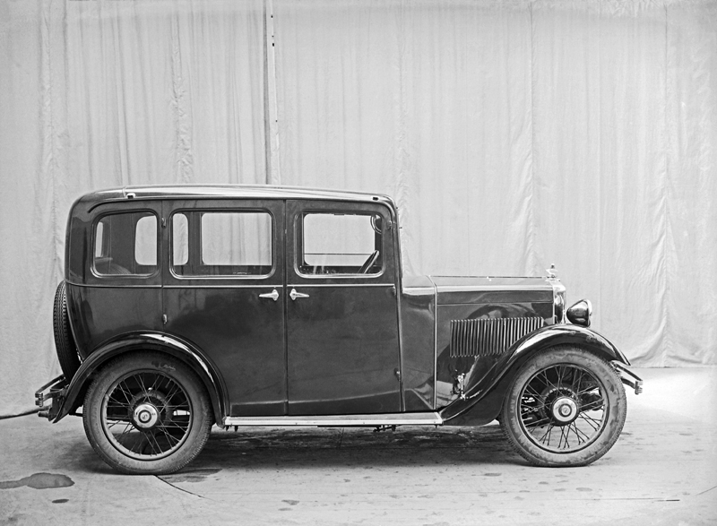 LATplate E3763 1934 Minor Family Four-door Saloon ws