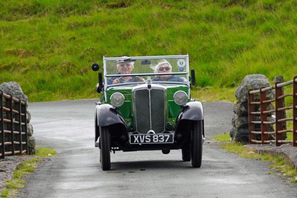 2021 PWMN Rally XVS 837 1934 Morris Minor Two-seater Tony & June Adlard b ws